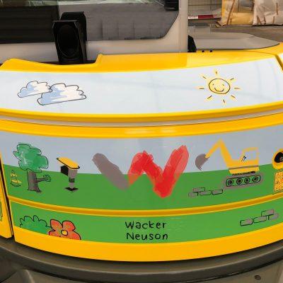 Charity-Bagger Wacker Neuson
